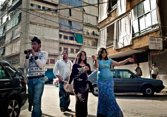 Ara Madzounian, Gypsy street entertainers (2009)