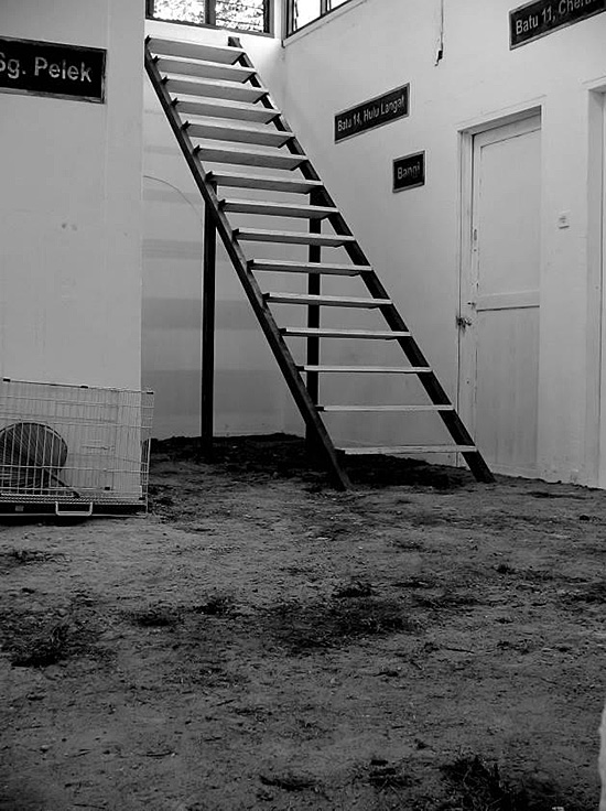 CHONG Kim Chiew, Isolation House, 2005, installation (courtesy of Chong Kim Chiew)